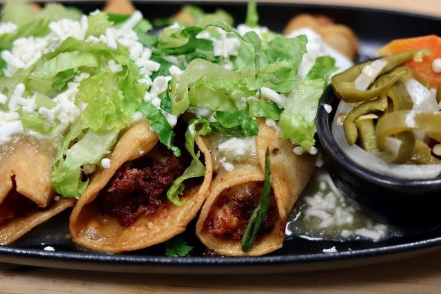 🌮 FEATURE: Chicken Taquitos  Allow us a moment to flaunt our flautas. Chicken, cheese, and spice rolled delicately in a soft tortilla, fried until crispy golden. Our Chicken Taquitos are the perfect starter, snack, or meal on days like today.   Join us on the patio and pair with a craft beer, 🍺 Corona, or Happy Hour El Diablo for all the Latino feels.